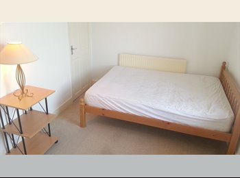 ONE Absolutely Stunning Large Double Rooms-FOR RENT
