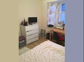 EasyRoommate UK - Excellent 4 Bedroom House 10 minutes walk to Uni - Stoke, Coventry - £400 pcm