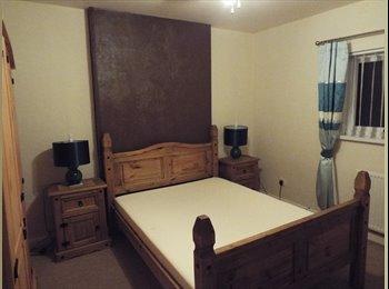 EasyRoommate UK - 1 Newly Furnished Double Bedroom Available - Huddersfield, Kirklees - £320 pcm