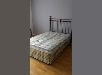 EasyRoommate UK - Flatshare -Very Large Double Bedroom St.Albans - St. Albans, St Albans - £650 pcm