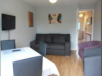 EasyRoommate UK - Double en-suite room, very clean house, Bretton - Peterborough, Peterborough - £425 pcm
