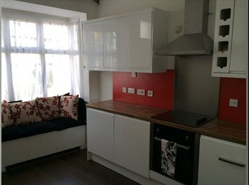 Ensuite Double bedrooms - Spotless