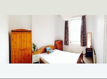 EasyRoommate UK - BOUTIQUE ROOM £770pcm - Shepherds Bush, London - £750 pcm