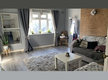 re furbished double  room with Great transport links