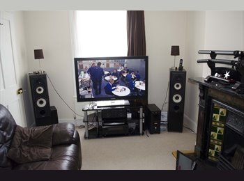 EasyRoommate UK - double room in nice house near station & hospital - Mile End, Colchester - £425 pcm