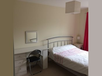 EasyRoommate UK - Double bedroom in lovely 2 bed house - Chichester (Mon-Fri) - Chichester, Chichester - £650 pcm