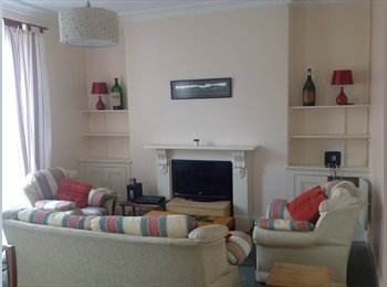 EasyRoommate UK - PLYMOUTH PL1 5ER fabulous 5-bed Grade-A townhouse! - Plymouth, Plymouth - £347 pcm