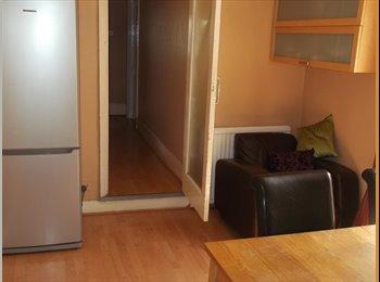 Clean, Superb 1 min station, Single room Leyton £550 month