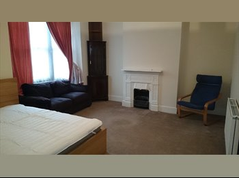 EasyRoommate UK - double room - Rugby, Rugby - £368 pcm