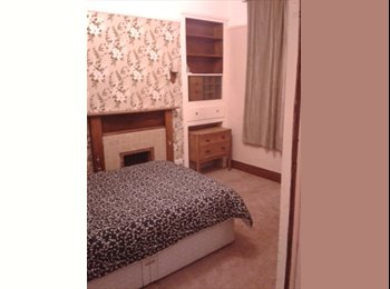 Double bedroom in a shared house