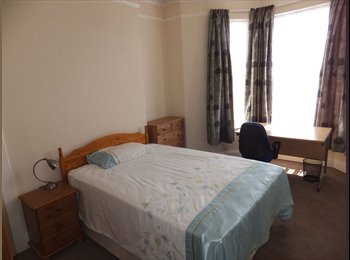 EasyRoommate UK - Lovely  Double room available; ALL INCLUSIVE, Plymouth - £350 pcm