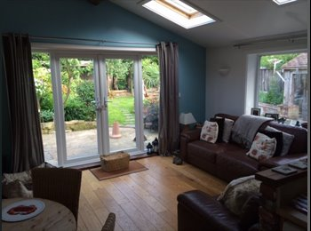 EasyRoommate UK - Double Bedroom in 3 Bed Bungalow - Chichester, Chichester - £400 pcm