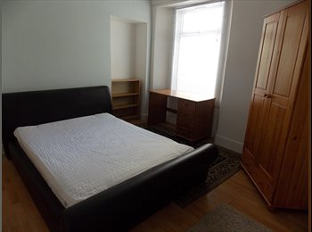 EasyRoommate UK -  Double Room in shared house, Plymouth - £350 pcm