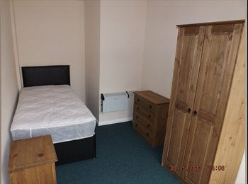 EasyRoommate UK - Bedroom in shared house Whitwick available 1st Sept 2015 - Coalville, N.W. Leics and Chamwood - £295 pcm