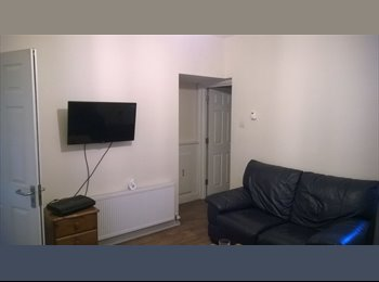 Double room near Swindon station/Centre SN2 1BD