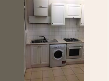 Double room available in Southgate!!!!!