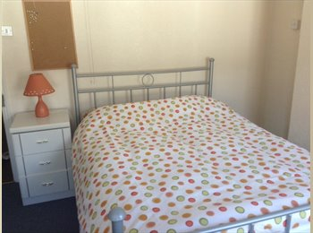 Luxuryroom for rent ideal for students for september