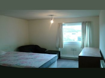 Double Room to Let in Birmingham City Center