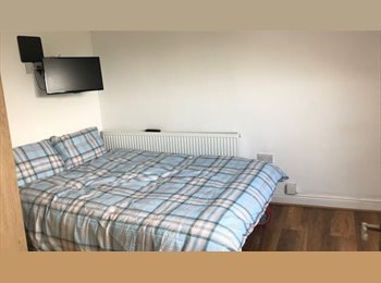 EasyRoommate UK - *BRAND NEW* Private En-suite rooms, Ecclesall Road - Ecclesall Road, Sheffield - £450 pcm