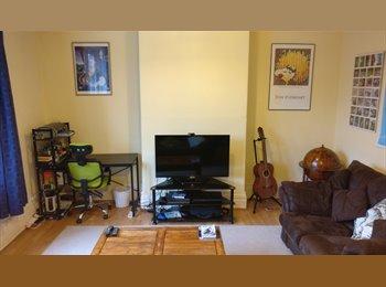 Double room in maisonnette - S7 - £275 p/m