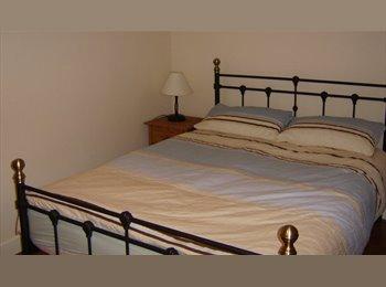 EasyRoommate UK - Double Bedroom en-suite, Broadband, bills inc, London - £540 pcm