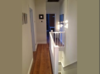 Double Room in luxury house share in Southsea