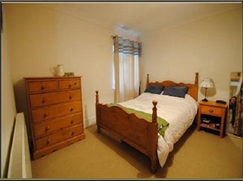 Newly available, 5 mins walk to city centre