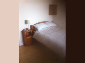 EasyRoommate UK - Double room , Portchester - £360 pcm