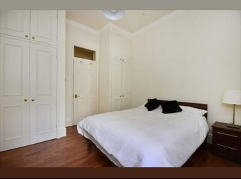Earls Court Studio Flatshare - Wetherby Mansions