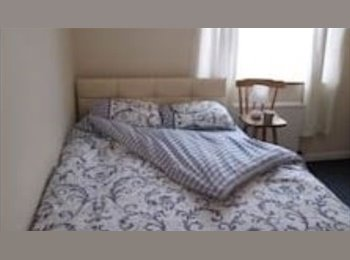 EasyRoommate UK - Very well maintained house on very quiet street. - Mutley, Plymouth - £260 pcm