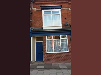 EasyRoommate UK - Close to  station  & Pershore Rd  -town 4 miles, friendly   house ,p., Birmingham - £350 pcm
