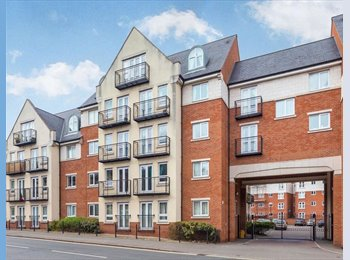 EasyRoommate UK - Pent House Apartment - Double Room Available - Derby, Derby - £325 pcm