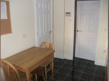 EasyRoommate UK - Double room in Rotherham Town Centre - Rotherham, Rotherham - £325 pcm