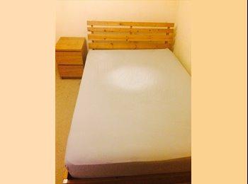 Large Double Bedroom - Wembley Park