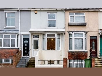 EasyRoommate UK - DOUBLE Room, £360 INCLUDING all bills, wifi, CLEANER and council tax in Southsea, Milton - £360 pcm