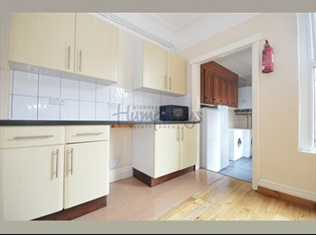 Lovely 6-bed house with HUGE rooms and 3 bathrooms