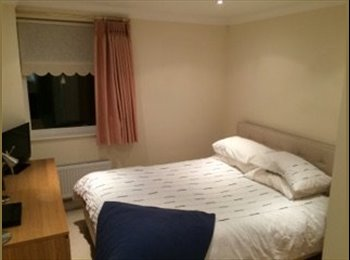 EasyRoommate UK - Modern flat 5 mins from Maidenhead Train Station. - Maidenhead, Maidenhead - £625 pcm