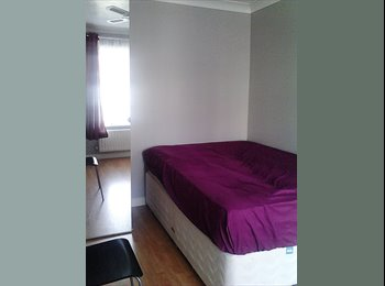 EasyRoommate UK - New furnished room  to rent  - EMERSONS GREEN - Mangotsfield, Bristol - £500 pcm