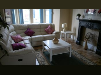 LARG FURNISHED ROOMS IN  VICTORIAN DETACHED HOUSE