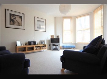 EasyRoommate UK - SUPERB ROOM TO RENT IN 2 BED DUPLEX APARTMENT, Sefton Park - £450 pcm