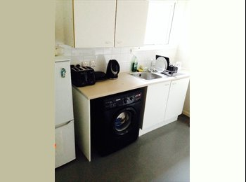 DOUBLE ROOM FOR RENT £500