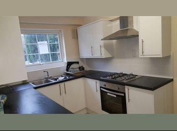 MASSIVE  Room!  in Newly refurbished house Furnished &...
