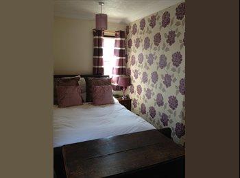 EasyRoommate UK - 2 double rooms available in central Bognor - Bognor Regis, Bognor Regis - £450 pcm