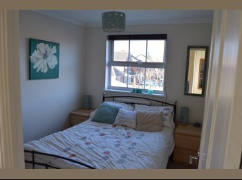 Double room - Mon to Fri in friendly family home
