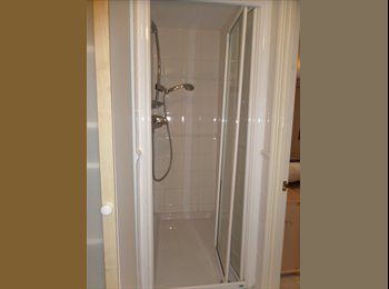 EasyRoommate UK - Master bedroom with ensuite in Ashford - Ashford, Ashford - £550 pcm