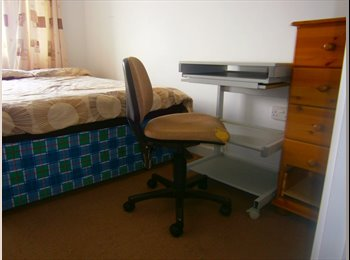 EasyRoommate UK - Quiet room for a student - Southsea, Portsmouth - £398 pcm