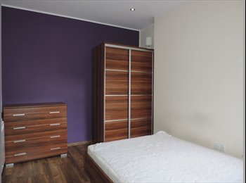 Furnished double room to rent in shared house