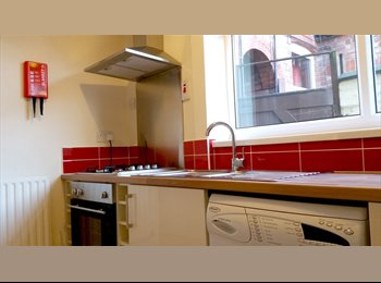 EasyRoommate UK - Fantastic Large Double Bedroom | Bills Included - Leicester Centre, Leicester - £330 pcm