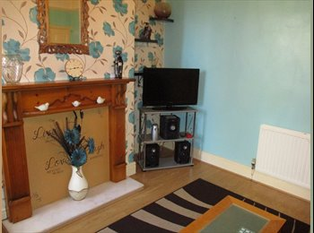 Furnished double room in gay house share workers only