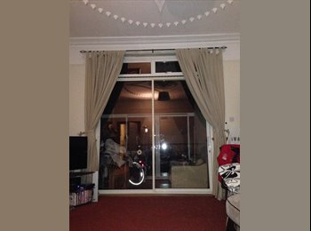 Large room in Large Flat available.